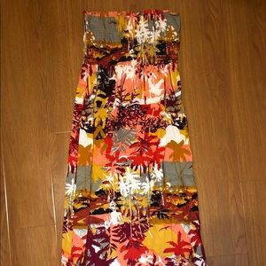 WORN ONCE   Tropical print strapless maxidress